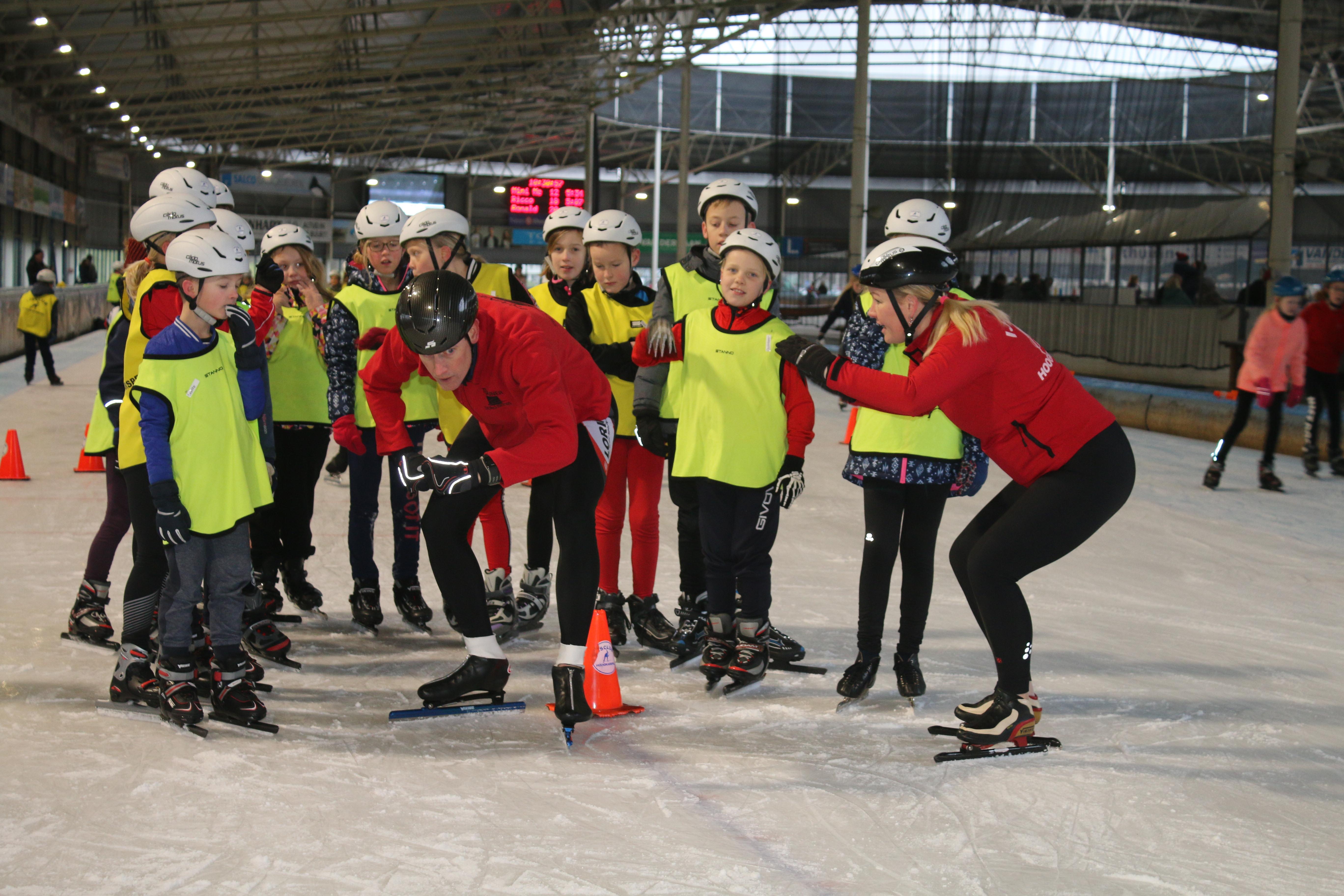 Jeugdschaatsen Met IJsclub Hoogkarspel